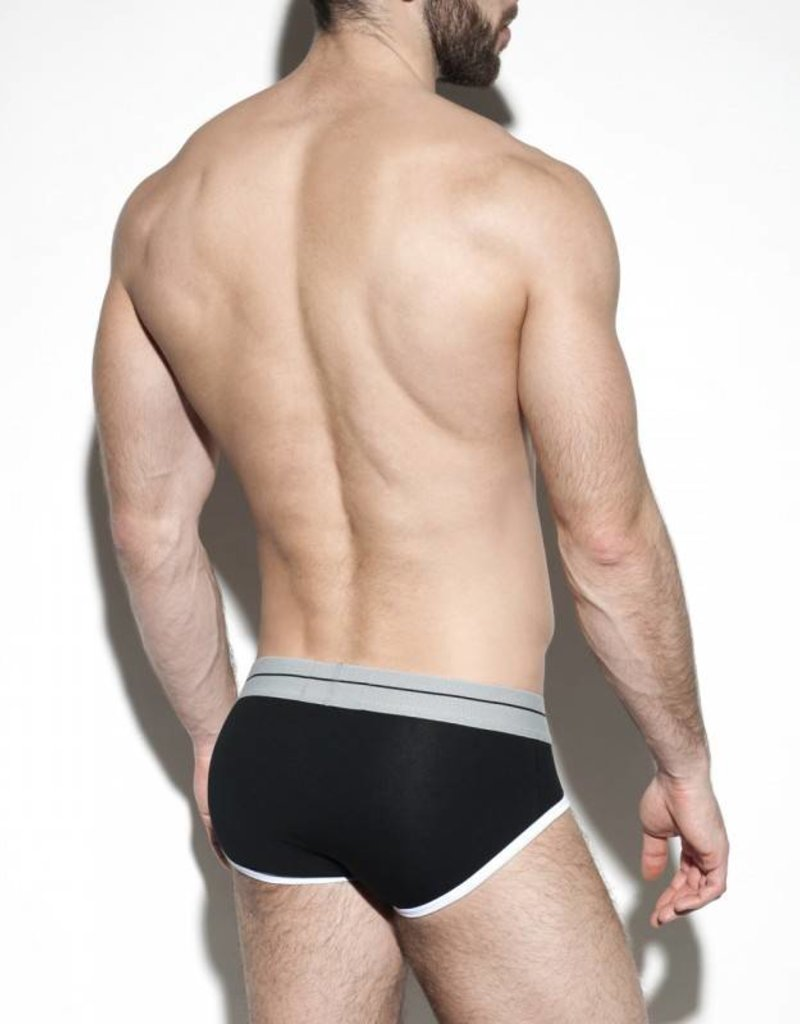 ES Collection UN261C10  7 Days Brief