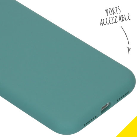 Accezz Liquid Silicone Backcover iPhone 11 - Donkergroen (D)