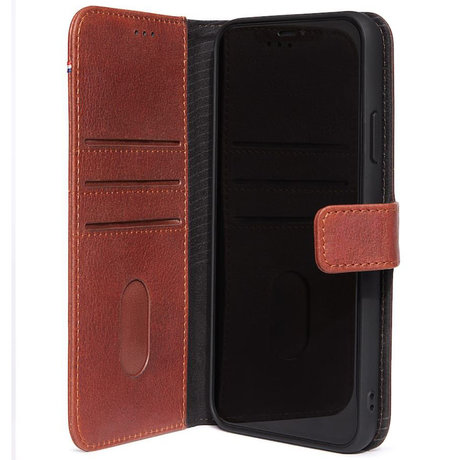Decoded 2 in 1 Leather Booktype iPhone 11 - Bruin (D)