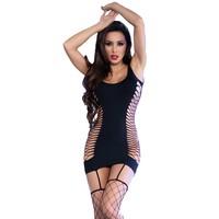 Zwart jurkje met grofmazige netkousen