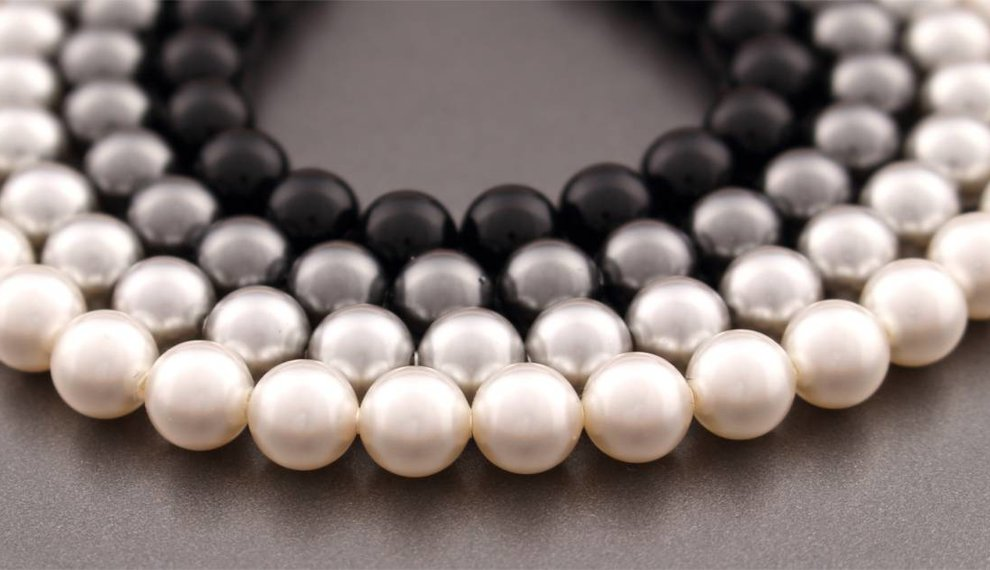 The most beautiful pearl jewelry - in unique colours and handmade