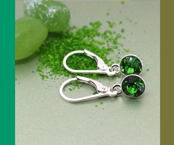 Sterling zilveren oorbellen met groen Swarovski kristal
