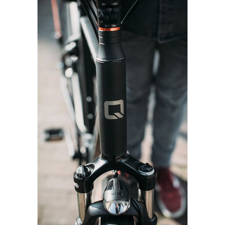Qwic Premium MN7 Low step, 49 (M), Matte Black