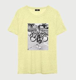 Le temps des cerises T-shirt geel opdruk surf