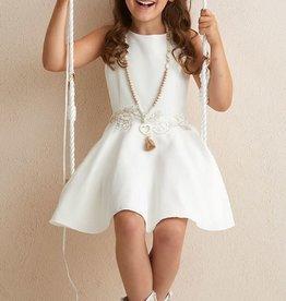 Diamante Blu ecru jurk wijde rok in taille met goud kantverwerking