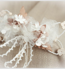 Zoysan haarspeld met bloemen en blaadjes ecru beige tinten
