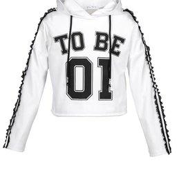 "Elsy sweater wit kap + zwart ""to be 01"""