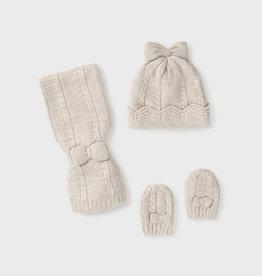 Mayoral set muts, sjaal en handschoenen ecru