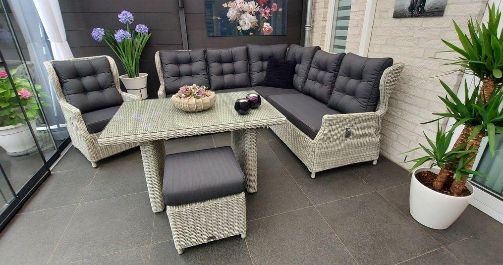 De voordelen van een stoel-bank loungeset op een rijtje