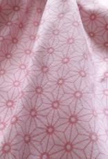 Bloemen op roze achtergrond