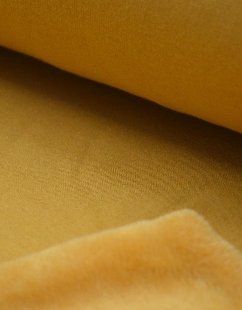 Furs, sweater geel