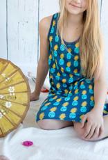 Pineapple, blauwe achtergrond, by Jolijou