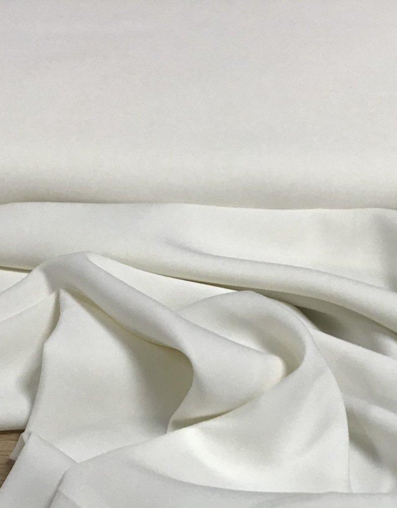Crepe off white