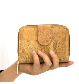 Captain Cork Woman's purse in natural color made out of cork leather