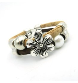 Captain Cork flower with pearls bracelet
