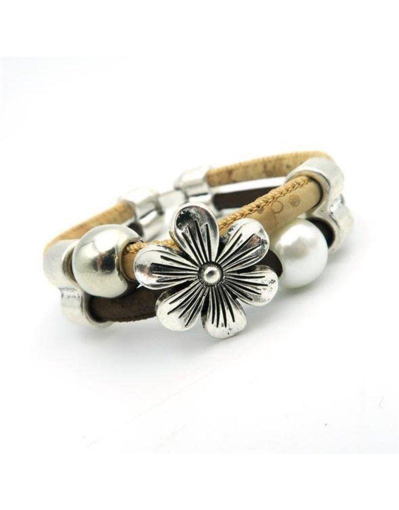 Captain Cork flower with pearls bracelet