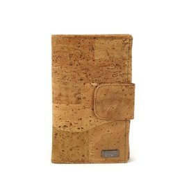Spacious wallet for credit cards in natural color