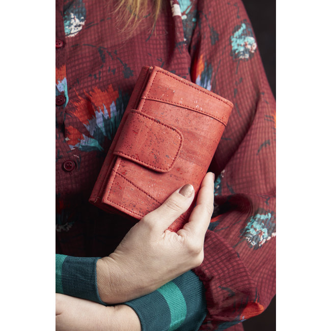 Captain Cork MARIT_RED _ CORK wallet: cork wallet consisting of 9 parts with cork leather change bracket