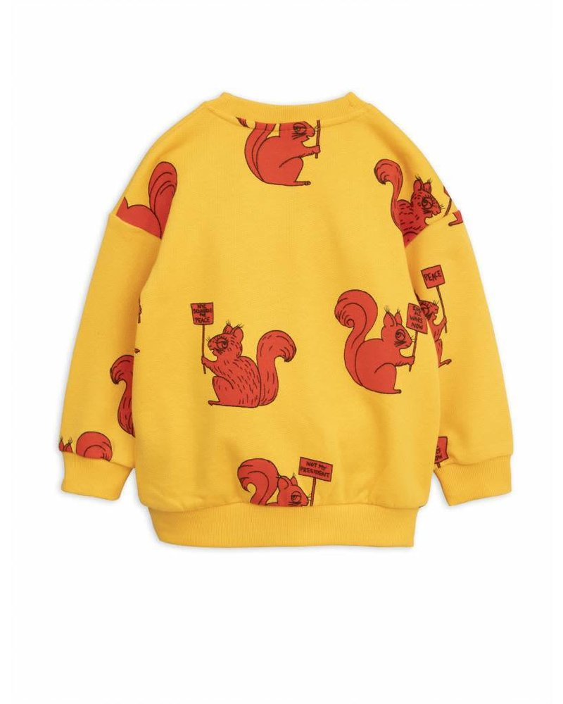 sweater Squirrel - yellow