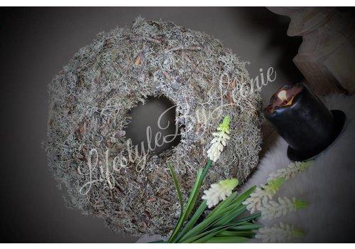 LifestyleByLeonie Sobere vergrijsde moskrans 30 cm