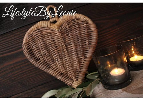 LifestyleByLeonie Rustic rattan hart 23 x 26 cm
