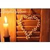 LifestyleByLeonie IJzeren hart kransje met belletjes Old white 14 cm