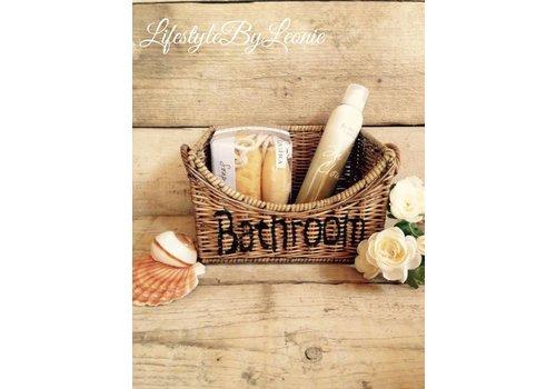 LifestyleByLeonie Rattan mand Bathroom