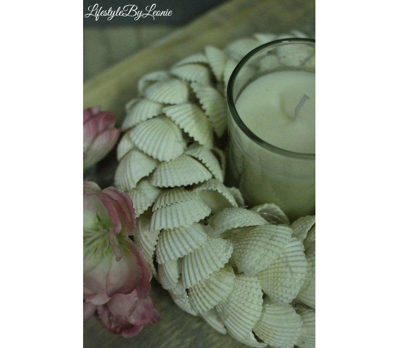Witte schelpenkrans met waxinelichthouder 15 cm