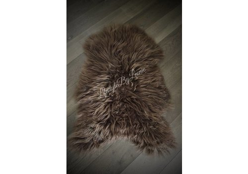 LifestyleByLeonie IJslandse schapenvacht Dark brown