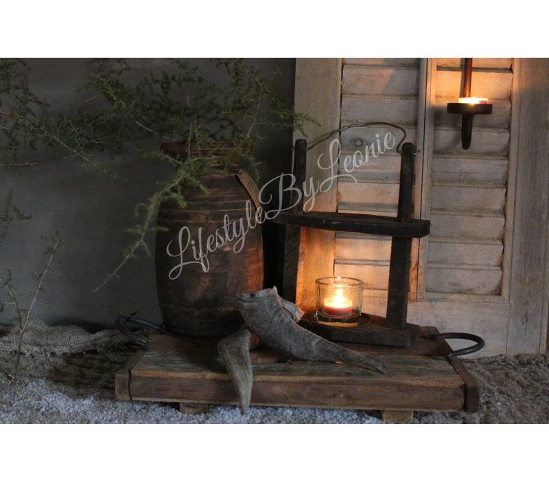 Oude houten Indiase waxinelichthouder