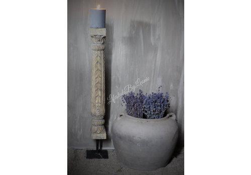 Aura Peeperkorn houten baluster / pillar op statief
