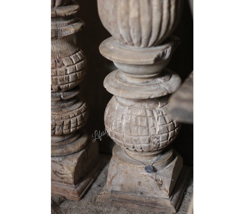 Aura Peeperkorn houtsnijwerk kandelaar 56 cm