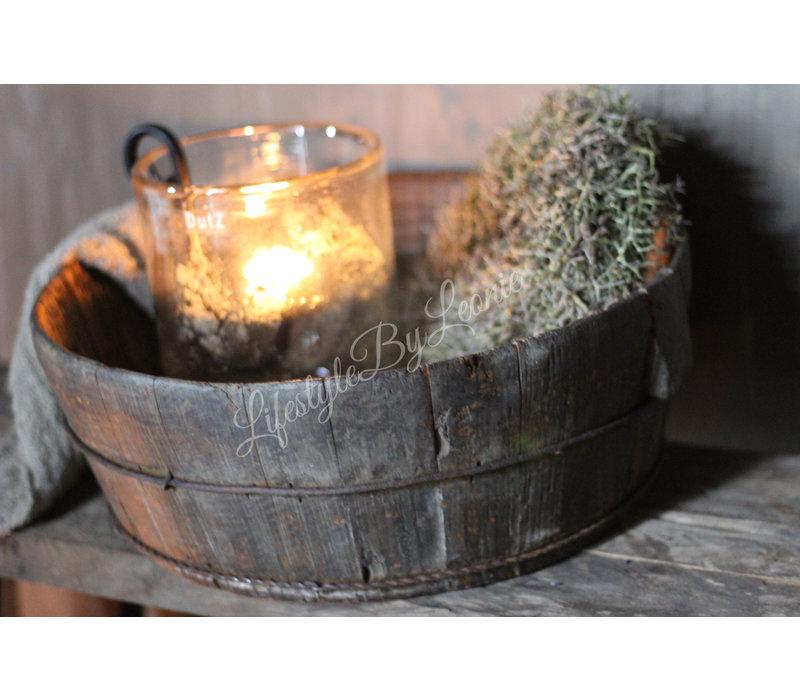 Aura Peeperkorn oude geleefde olijfbak