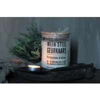 Mijn Stijl geurkaars met houten deksel Cedar en vetiver