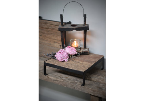 LifestyleByLeonie Vierkante oud houten tray met ijzer 25 cm