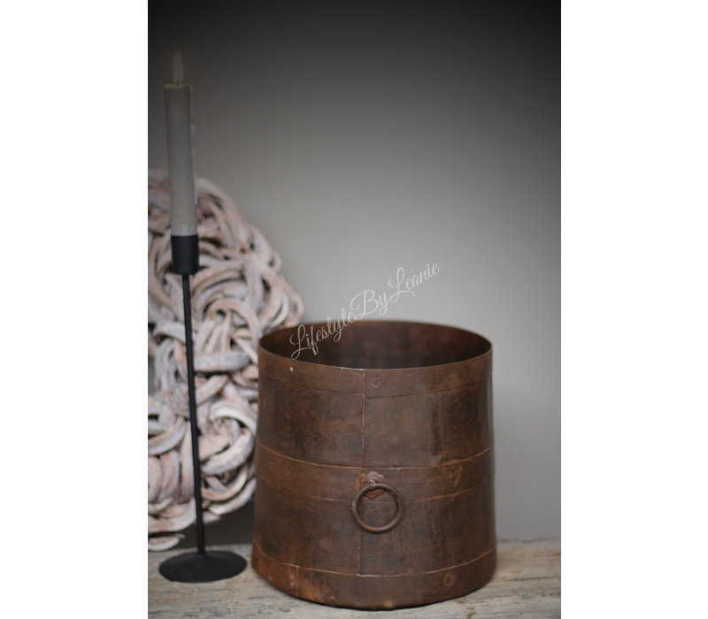 Oude ijzeren pot met ring 20 cm
