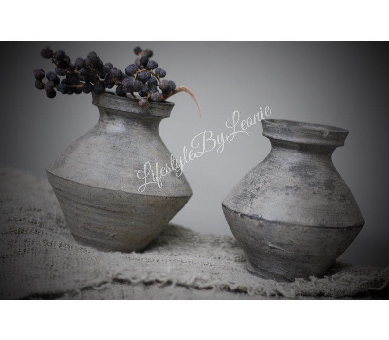 Stenen halskruik / clay pot - maat S