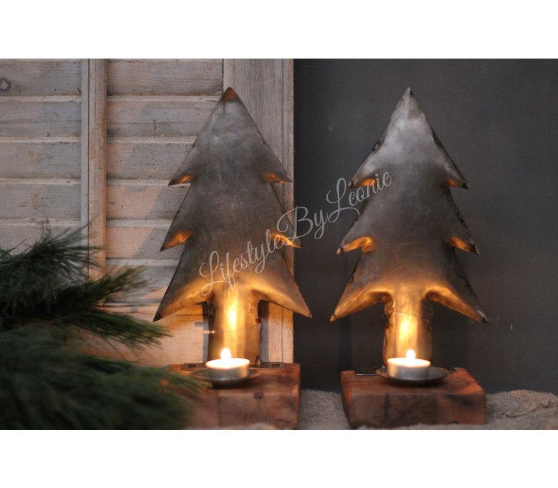 Zinken kerstboom op houten voet - waxinehouder