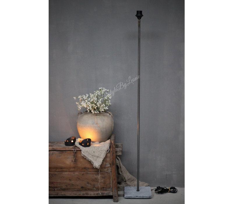 Vloerlamp recht met hardstenen voet 120 cm
