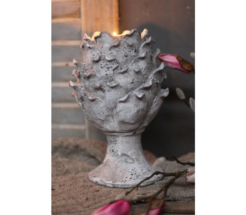 Stenen artisjok waxinelichthouder op voet 25 cm