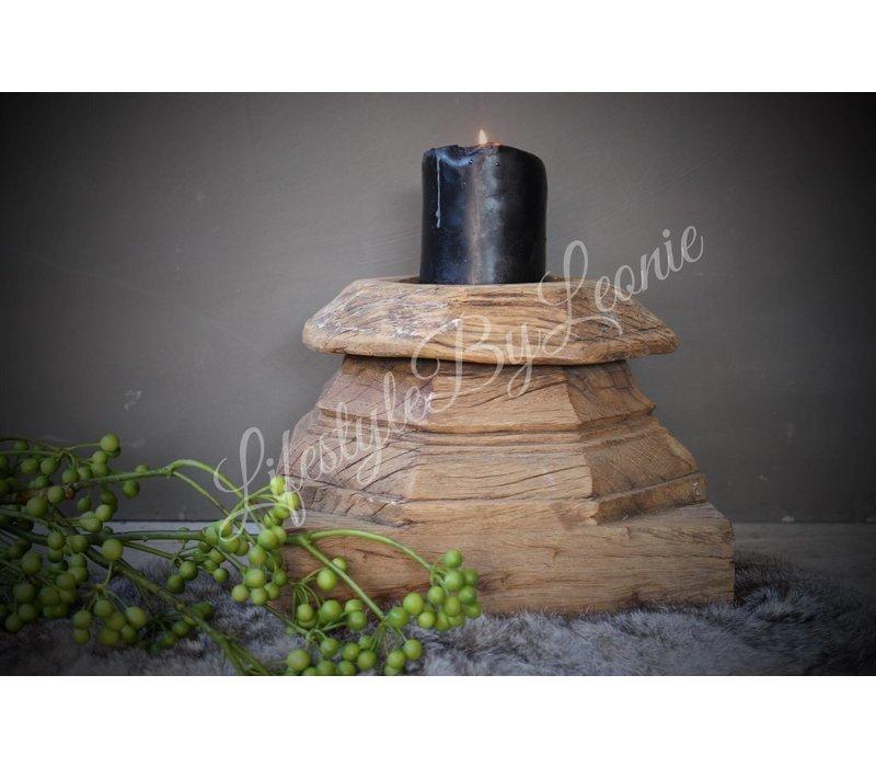 Grote oude houten poer