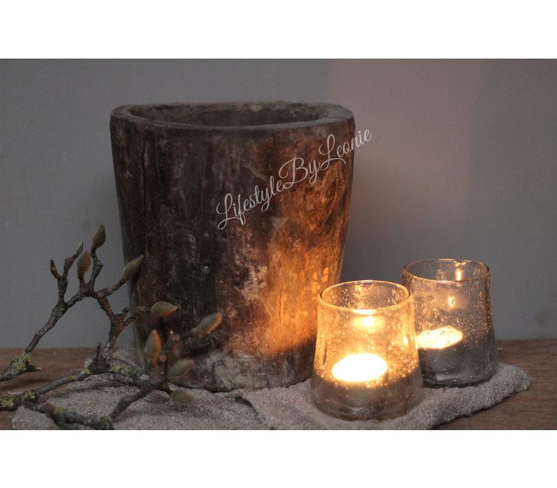 Oude houten ronde vijzel/pot