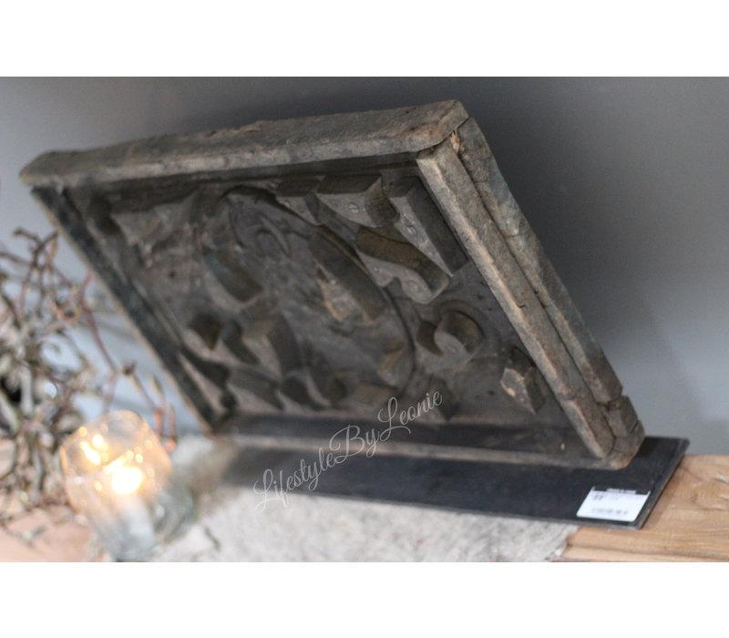 Authentiek houten paneel bewerkt