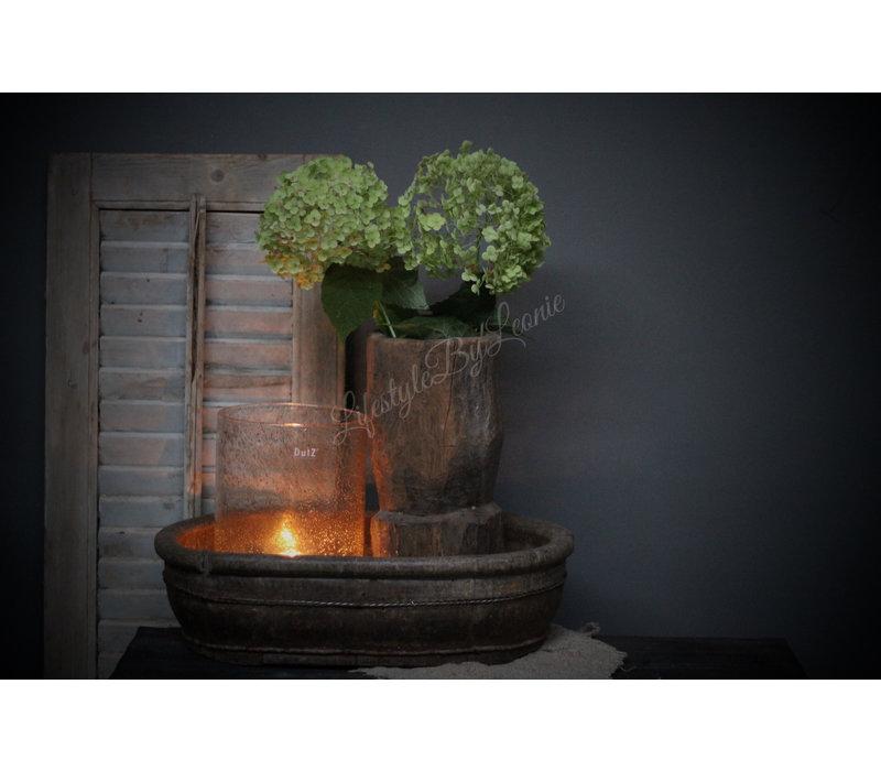 Oude houten vijzel / pot