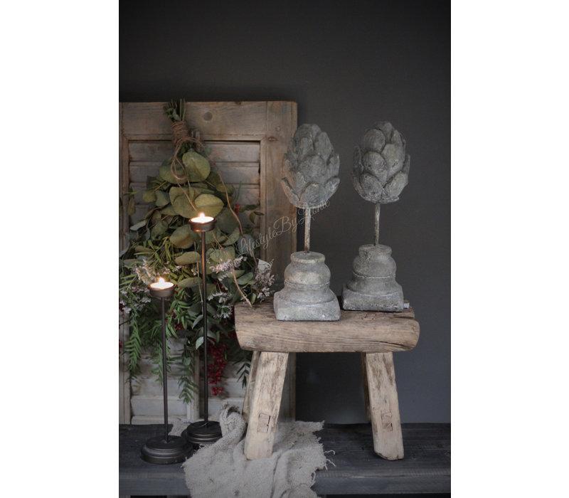 Stenen Artisjok op voet 33 cm