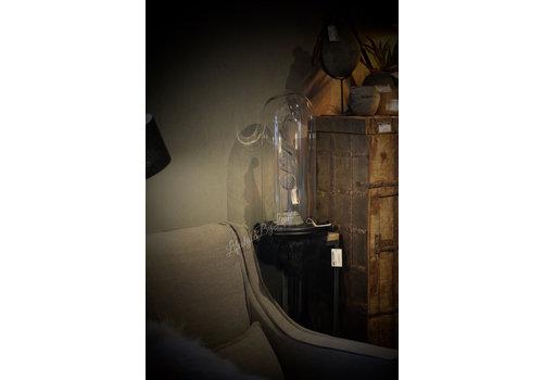 Hoge glazen stolp op houten zwarte voet 53 cm