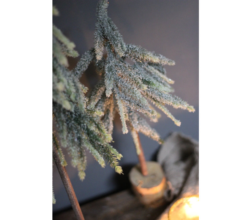 Hoge smalle kerstboom op houten voet Half 87 cm