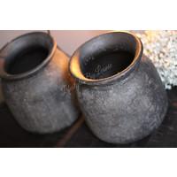 Stenen pot / kruik Indonesië zwart