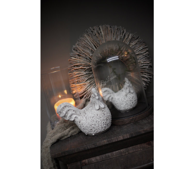 Sobere stenen kip Grey wash 11 cm