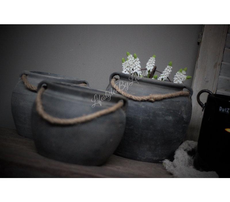 Oude Chinese kruik met touw en 2 oren